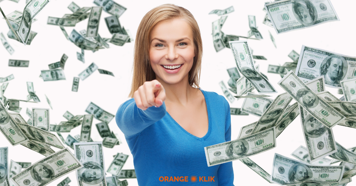 Orange and Teal Casual Corporate Financial Advisor Finance LinkedIn Single Image Ad (1)